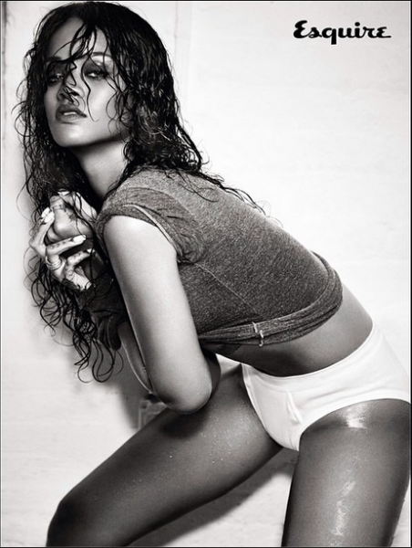 Rihanna-Instagram-Esquire-UK-December-2014-5-452x600