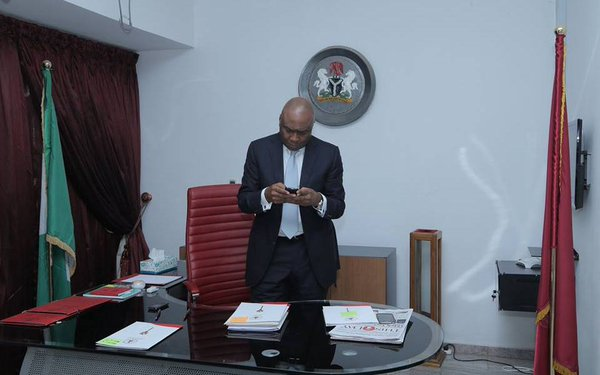 EFCC Report Indicts Saraki, Aides, Ex-bank MD Over N19bn Paris Club Scam