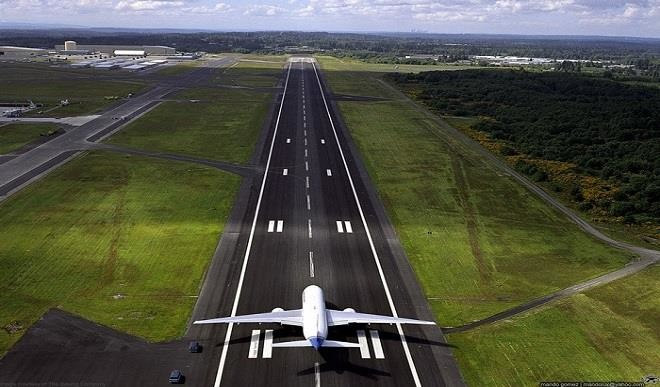 runway airport abuja nigeria plane lagos air planes retirement grounded indian international reopen ago years catch into colliding peace path