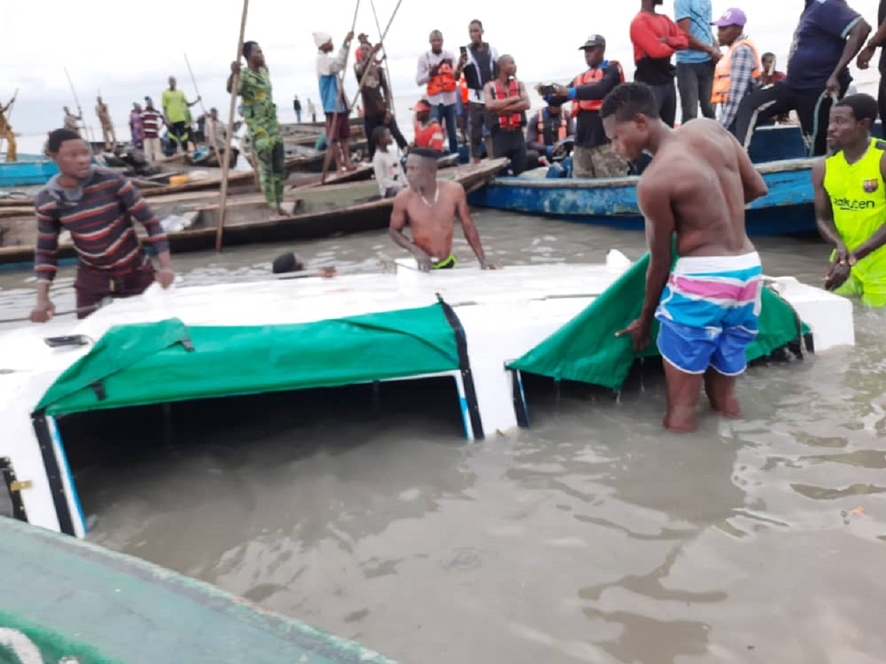 VIDEO: How boat mishap killed one in Lagos - NewsWireNGR